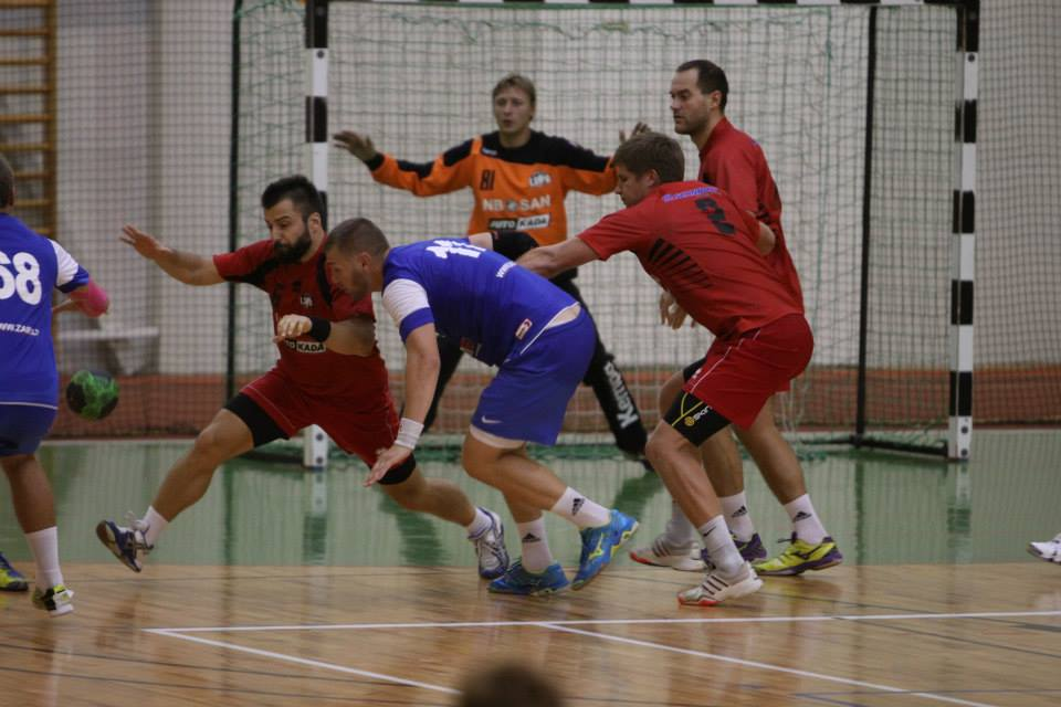 Celtnieks/LSPA handbolisti cīnās Ogrē ar Arti Kurmēnu (Foto: Sandra Škutāne)